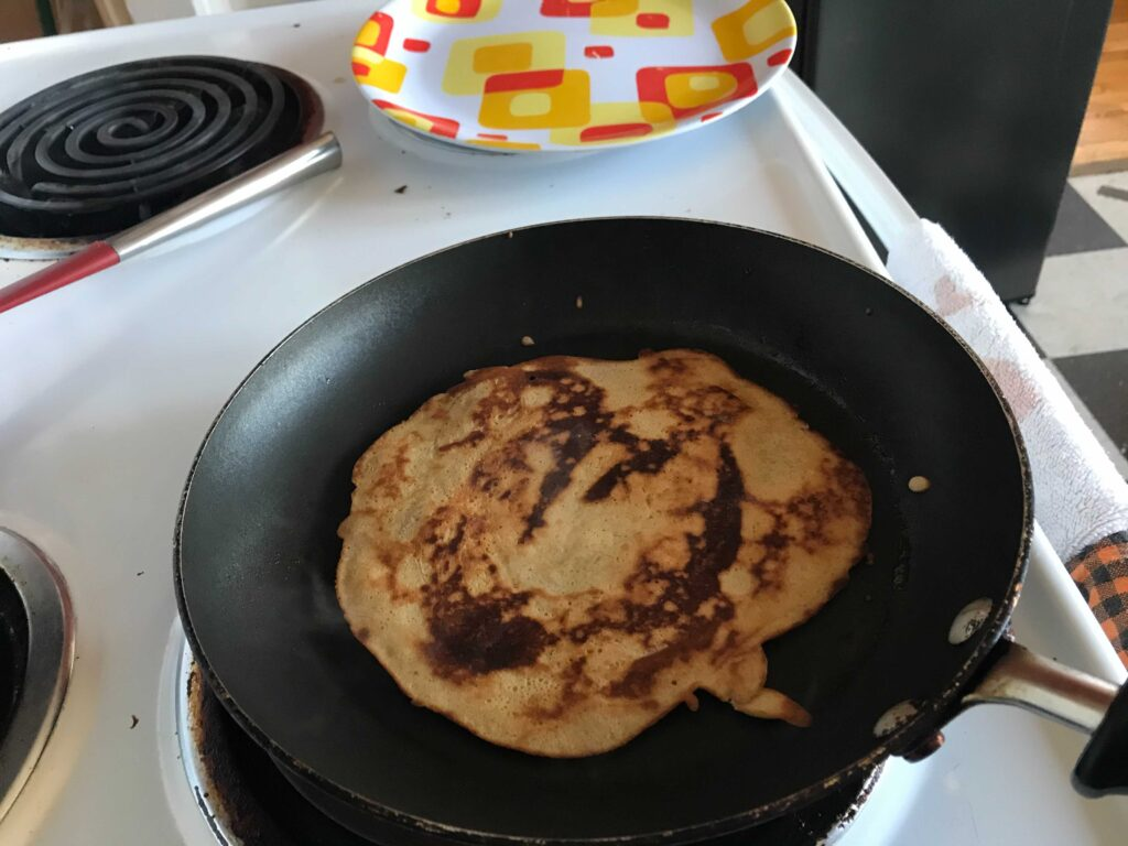 Skillet with crepe