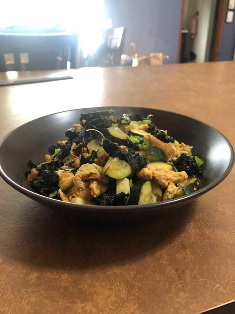 Scrambled eggs with veggies