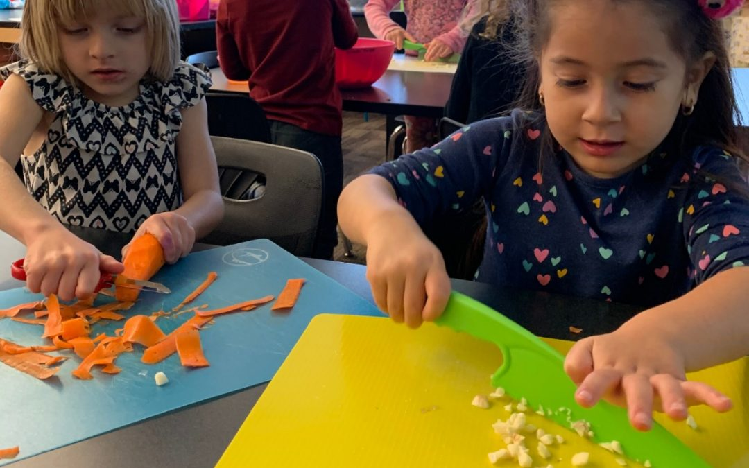 Kids make hummus – and eat it too!